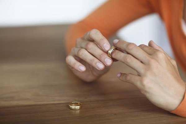 o divorced women facebook 1024x683 1